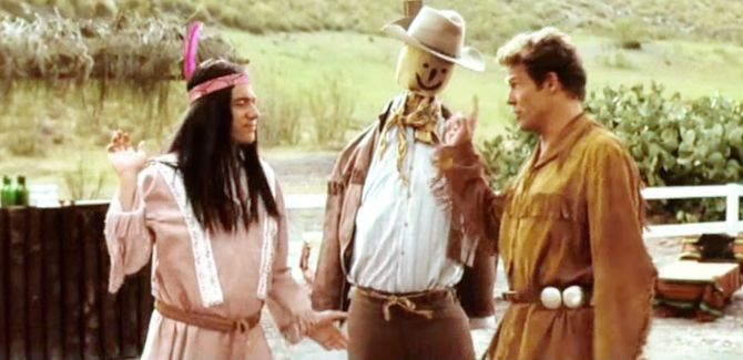 Video klassiker der schuh des manitu apachen crashkurs for Schuh des manitu zitate