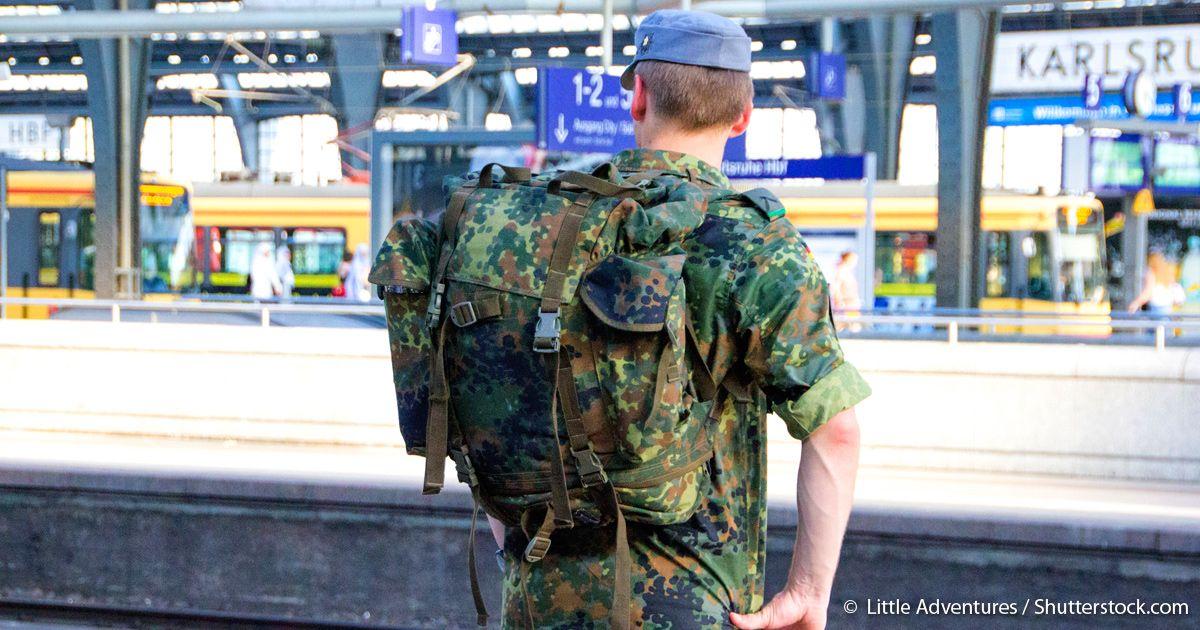 Bundeswehr Soldaten im Zug gefickt